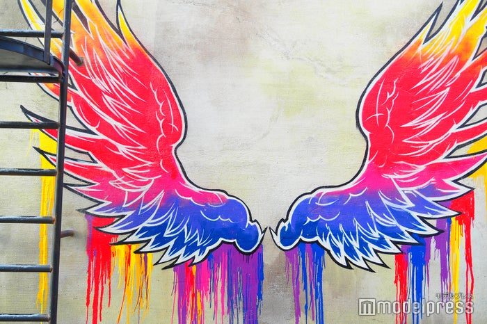 最近世界各国でも流行っている天使の羽がここにも(C)モデルプレス