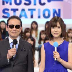 番組司会のタモリと弘中綾香アナウンサー(写真提供:テレビ朝日)