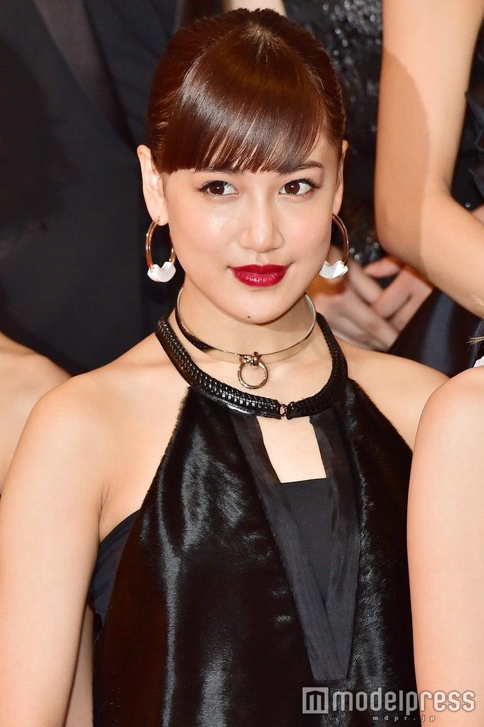 ネイルで紅白に向けて気合いを注入した藤井夏恋 (C)モデルプレス