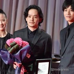 (左から)蒼井優、池松壮亮、松坂桃李(C)モデルプレス