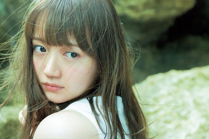 尾崎由香(撮影:長野博文/写真提供:講談社)