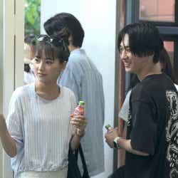 春花、流佳「TERRACE HOUSE TOKYO 2019-2020」15th WEEK(C)フジテレビ/イースト・エンタテインメント