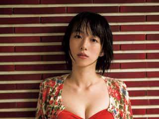 期待の新人女優・坂田莉咲、レアな水着姿で魅了
