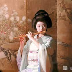 モデルプレス - 渡辺麻友、艶やか芸者姿で初挑戦「夢のような話」<コメント到着>