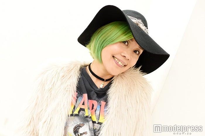 モデルプレスのインタビューに応じた野沢直子(C)モデルプレス