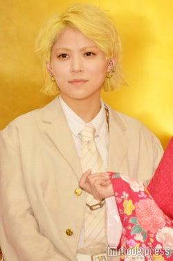 "NMB48木下百花、48グループ成人式に""メンズ私服""で登場 異彩放つ"
