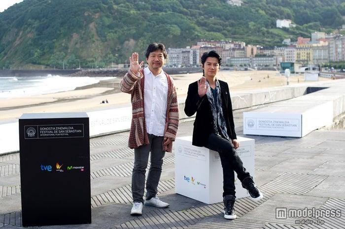 是枝裕和監督、福山雅治(C)2013『そして父になる』製作委員会
