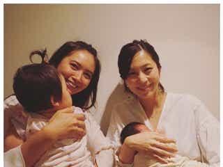 """加藤夏希&安田美沙子、我が子を抱いて""""4ショット""""披露「この差!」成長に驚き"""