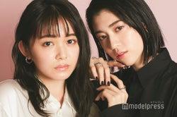 本インタビューが初共演の久間田琳加(左)&三吉彩花(右)(C)モデルプレス
