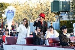 第1子妊娠の松たか子、ディズニー「アナ雪」イベントに神田沙也加らと完全シークレットで登場