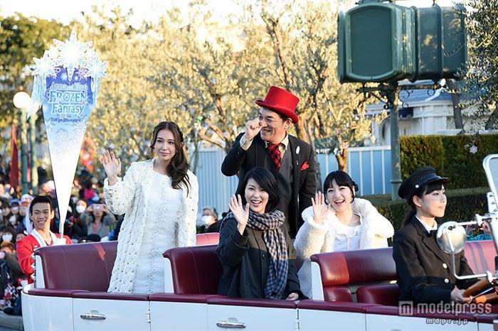 第1子妊娠の松たか子、ディズニー「アナ雪」イベントに神田沙也加らと完全シークレットで登場【モデルプレス】