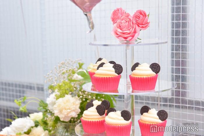 ミッキーをイメージしたカップケーキ(C)モデルプレス