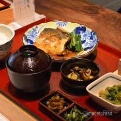 AKOMEYA 食堂(C)モデルプレス