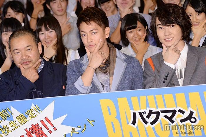(左から)大根仁監督、佐藤健、神木隆之介