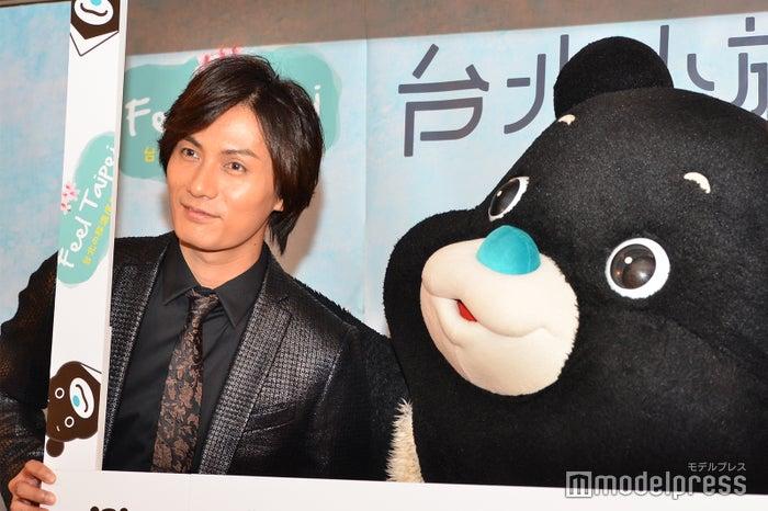 加藤和樹、台北市公式キャラクターの熊讚 Bravo(C)モデルプレス