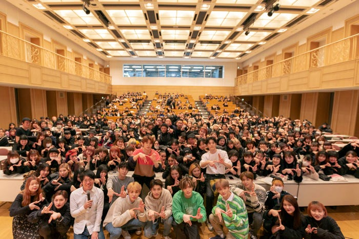 「NCT 127 1st Tour 'NEO CITY : JAPAN - The Origin'開催記念スペシャル!」より(C)Abema TV