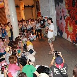 ハジ→が地元仙台でゲリラライブを開催 好調シングル収録のアルバムのプレオーダーも開始