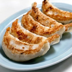平日昼間でも行列ができる町中華『みんみん』の餃子が強烈においしい件【吉祥寺】