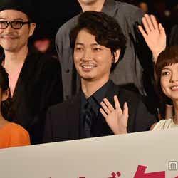 (左から)木村文乃、綾野剛、多部未華子