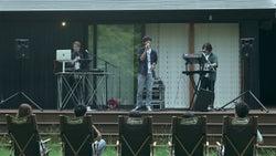 テラスハウスでライブ「TERRACE HOUSE OPENING NEW DOORS」31st WEEK(C)フジテレビ/イースト・エンタテインメント