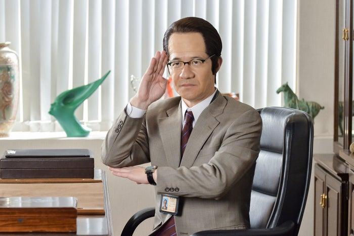 三津谷寛治(内村光良)(C)NHK