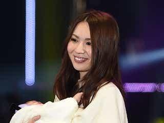 元AKB48菊地あやか、5ヶ月の愛息子と2ショットランウェイ「ママになっちゃいました」<TGC2015A/W>