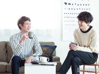 """新トレンド""""ドリップ男子""""に注目 """"元祖""""坂口健太郎が後輩モデルにレクチャー"""