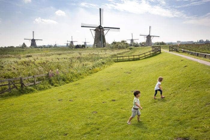 ユネスコの世界遺産にも登録されている、キンデルダイクの風車群