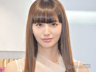 鈴木えみ、愛娘との2ショットに「ベビちぃ大人っぽい」「美少女オーラすごい」の声 ファッション誌で親子共演