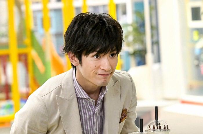 三浦春馬さん/「おカネの切れ目が恋のはじまり」第2話より(C)TBS