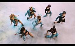 「Ultraviolet」ミュージックビデオより(画像提供:avex)