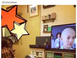 桐谷美玲、自分の坊主姿を凝視 「ヒロイン失格」トレンド席巻の反響