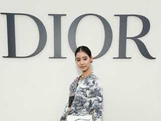 新木優子、パリへ 「ディオール」コレクションショーを観覧