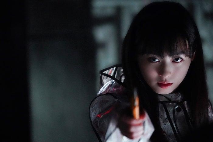 福原遥(C)2019「羊とオオカミの恋と殺人」製作委員会(C)裸村/講談社<br>
