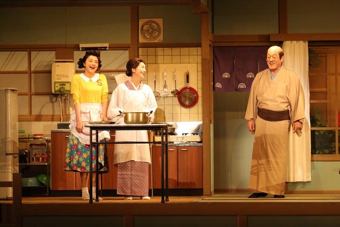 (左から)藤原紀香、高橋惠子、松平健(提供写真)