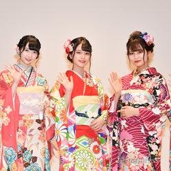 新成人を迎える(左から)蟹沢萌子、谷崎早耶、佐々木舞香、大場花菜、菅波美玲 (C)モデルプレス
