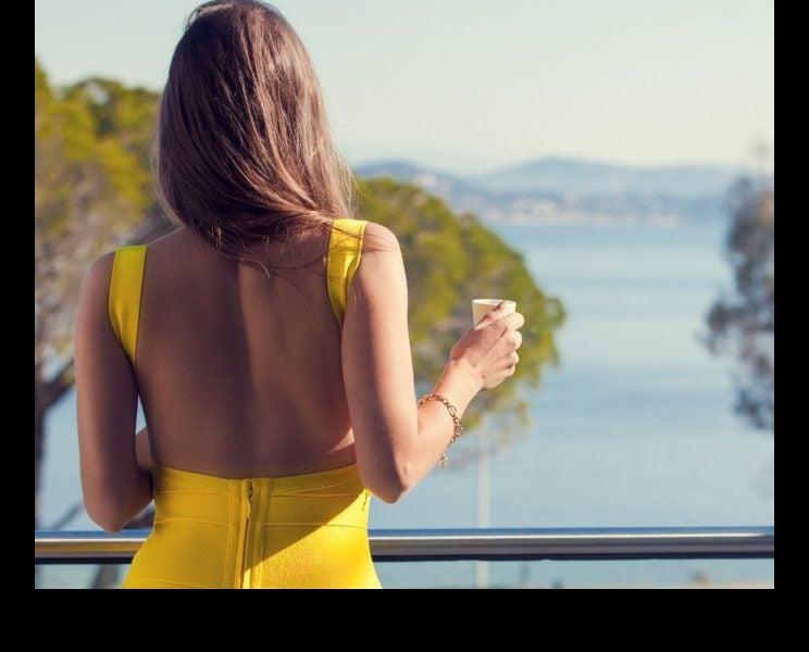 女性らしい華奢な後ろ姿に♡「背中美人」へと導く3つのエクササイズ
