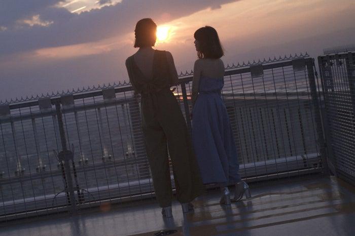 (左から)秋元才加、大島優子/画像提供:TBS