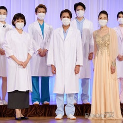 (前列左から)高島礼子、内博貴、麻実れい(後列左から)黒田こらん、室龍太、松下優也、吉倉あおい(C)モデルプレス