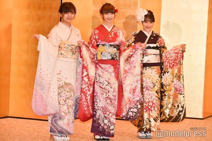 NGT48(左から)中村歩加、荻野由佳、加藤美南 (C)モデルプレス