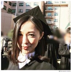 徳澤直子、大学卒業を報告 母・...