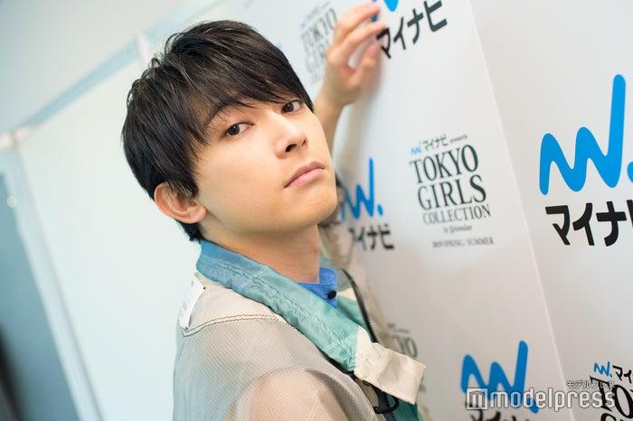 モデルプレスの取材に応じた吉沢亮(C)モデルプレス