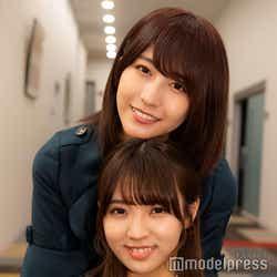 モデルプレスのインタビューに応じた欅坂46の小林由依(下)&土生瑞穂(上)(C)モデルプレス