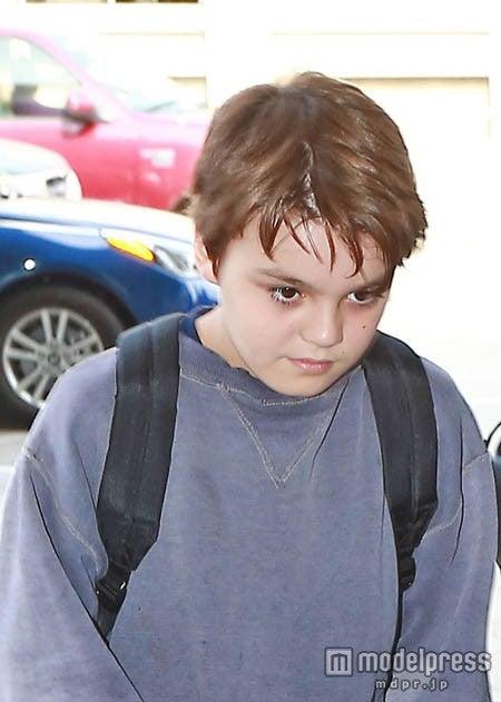 目がジョニーに似てる!FameFlynet Pictures/Zeta Image