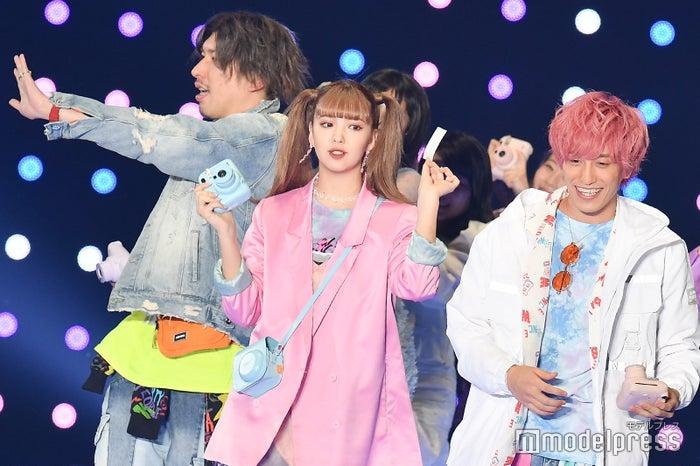 「第30回 マイナビ 東京ガールズコレクション 2020 SPRING/SUMMER」に出演したりんたろー。、藤田ニコル、兼近大樹  (C)モデルプレス