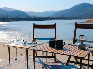 2.5㎏の軽量ミニテーブルはコンロにもなる!丸めて持ち運べて、キャンプや庭先BBQで大活躍
