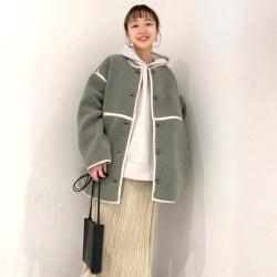 パーカー×スカートで大人女子コーデを作る《2021》きれいめな着こなし方