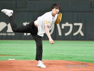 鈴木伸之、初始球式で122キロ剛速球 関口メンディーは「相当すごい」