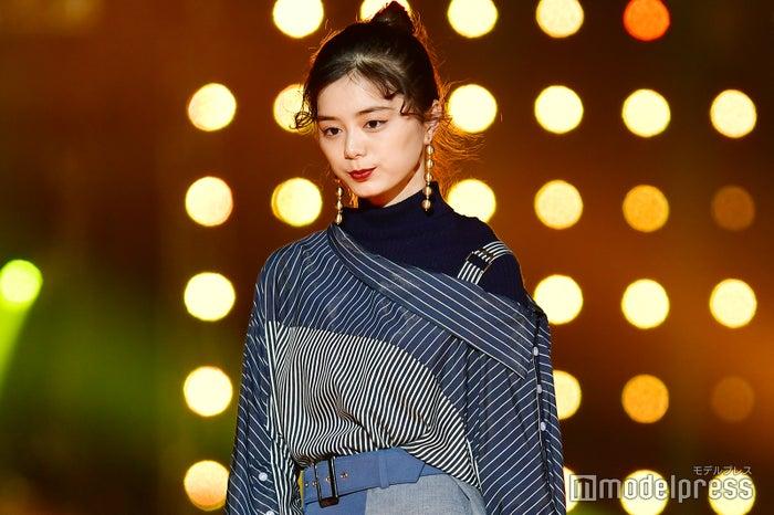 「東京ガールズコレクション 2018 AUTUMN/WINTER」に初出演した紺野彩夏(C)モデルプレス