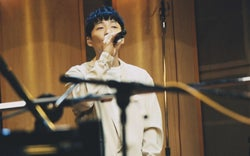 星野源、ニューアルバム『POP VIRUS』初回限定盤にスタジオライブ映像&創作密着ドキュメンタリーを収録